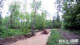 [淘摩网]实拍A玩泥巴:毛子驾驶全地形车泡水坑!_摩托车